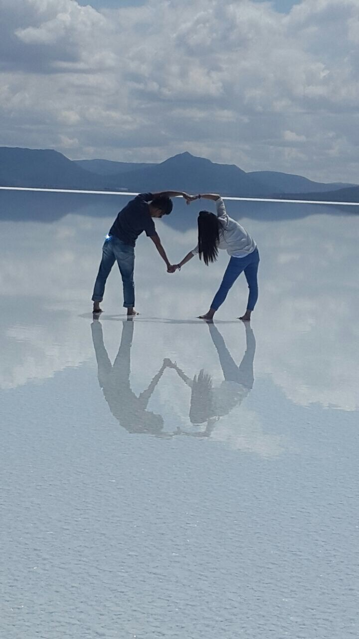 Honeymooners Uyuni salt flats, Bolivia