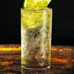 Bolivian cocktail Chuflay