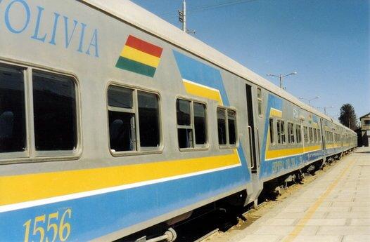 ferrocarril-train-to-uyuni