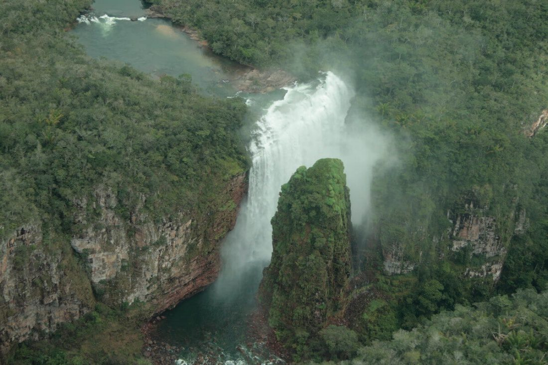 flor-de-oro-view-waterfall