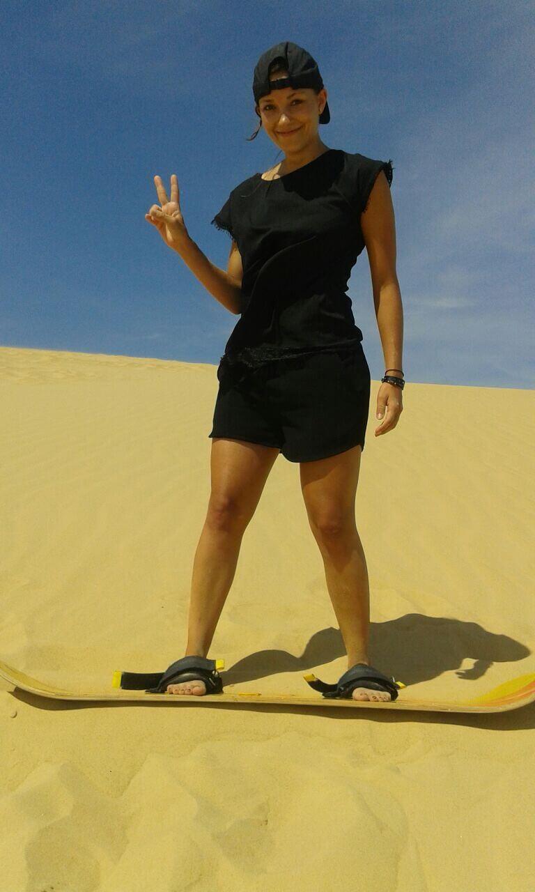 Sand boarding fun, Lomas de Arena, Santa Cruz